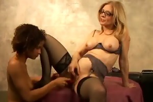 hawt aged woman teaches younger whore