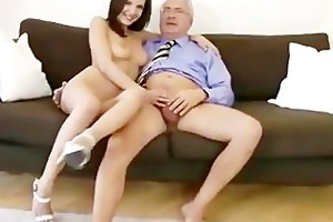 mature chap fucking younger girl